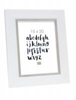 wanddecoratie-fotolijst-in-wit-met-zilverbies-mat-glas