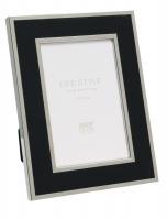 wanddecoratie-metaal-metalen-kader-in-zwart-met-glanzend-zilverkleurig-biesje