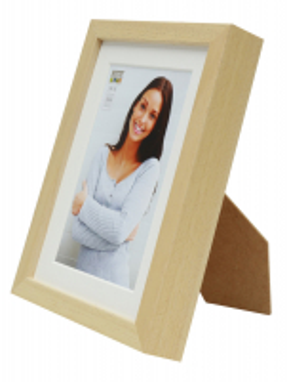 wanddecoratie-hout-fotokader-in-blank-hout-met-passe-partout