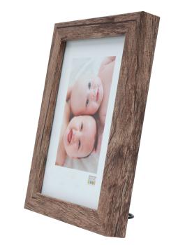wanddecoratie-fotokader-in-een-warme-bruine-houttint-mat-glas