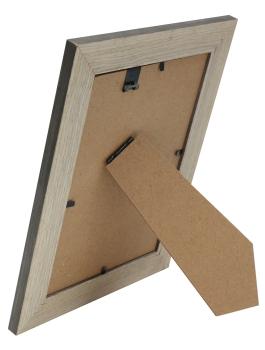 wanddecoratie-kunststof-fotokader-met-houtstructuur-afgewerkt-in-een-grijze-kleur