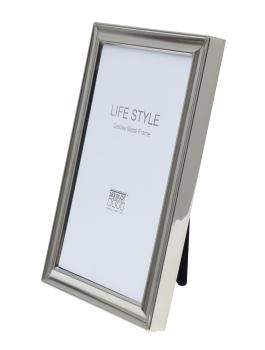 wanddecoratie-metaal-fotokader-in-glanzend-zilver
