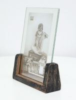 wanddecoratie-hout-zwart-geschilderde-fotohouder-voor-1-verticale-foto