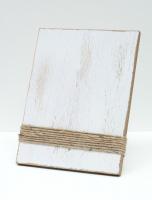 wanddecoratie-hout-fotohouder-wit-geschilderd-met-touwtjes