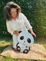 wanddecoratie-hout-houten-bord-in-de-vorm-van-een-panda-met-wasknijpers