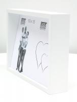 fotokader-hout-witte-blokkader-met-schuin-aflopende-achterwand-voor-2-fotos