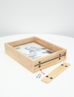wanddecoratie-hout-glaskader-in-naturel-hout-met-zwevend-foto-effect